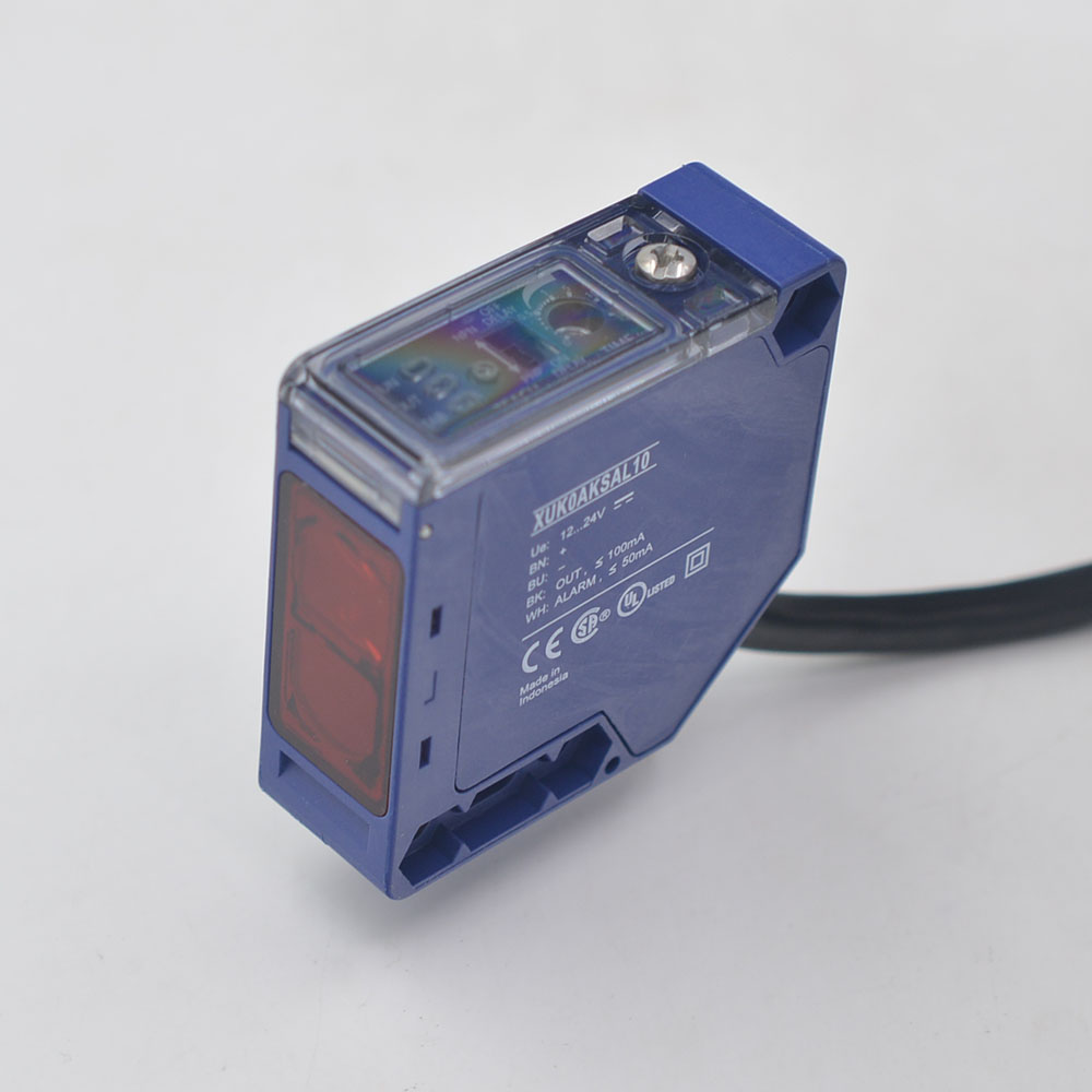 XUK0AKSAL10    OsiSense XU    Photo-electric sensor - XUK - multi - Sn 0..30m - 12..24VDC - cable 10m